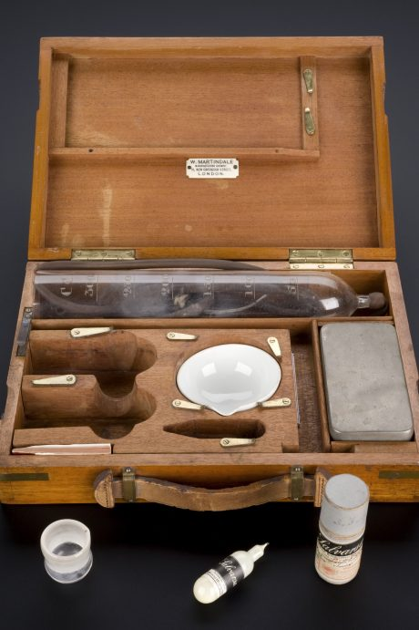 Salvarsan treatment kit for syphilis, Germany, 1909-1912 Credit: Science Museum, London. Wellcome Images.